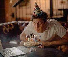 4 maneiras de comemorar seu aniversário durante uma viagem