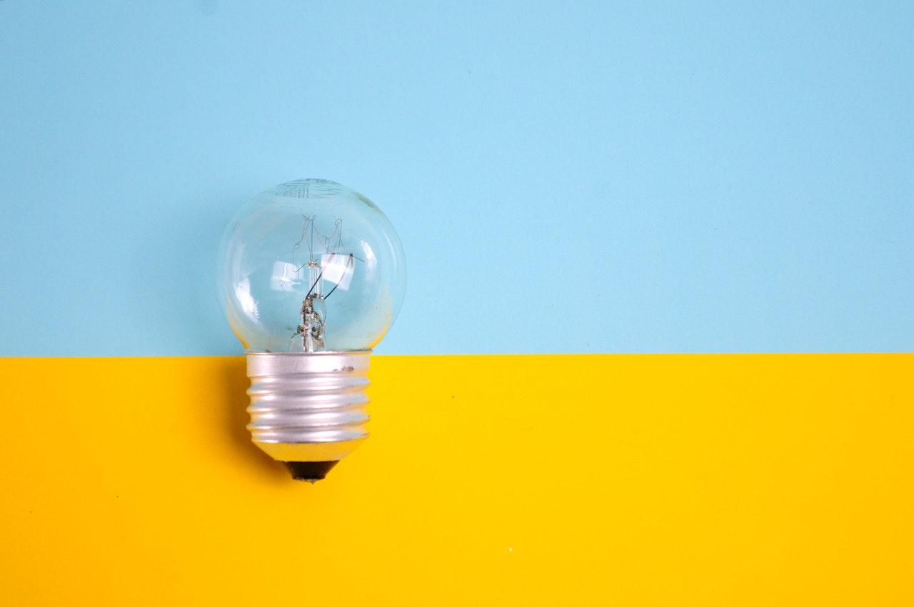 15 dicas para economizar energia durante a pandemia sem poder viajar (Foto de eric anada no Pexels)