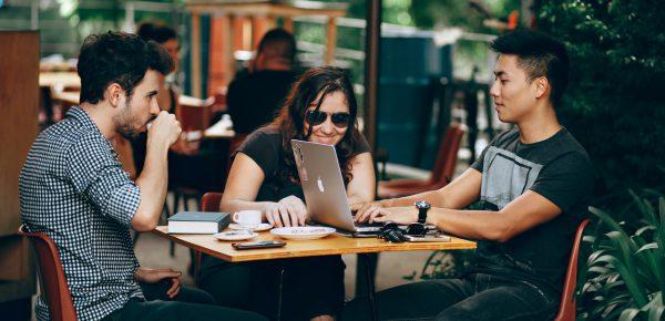 Trabalhos digitais nômades que você pode realizar de qualquer lugar em 2021
