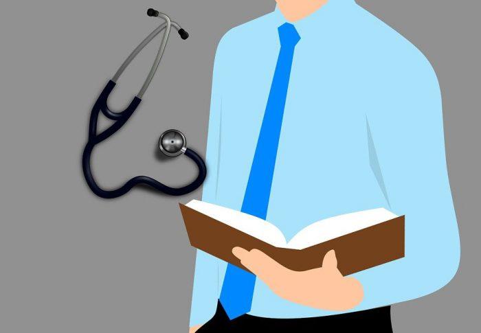 Saiba quais são os livros que todo médico deve ler